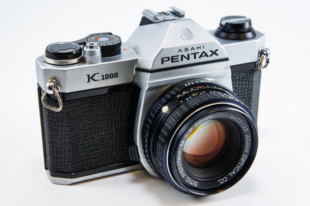 نمونه ای از دوربین تک لنز انعکاسی