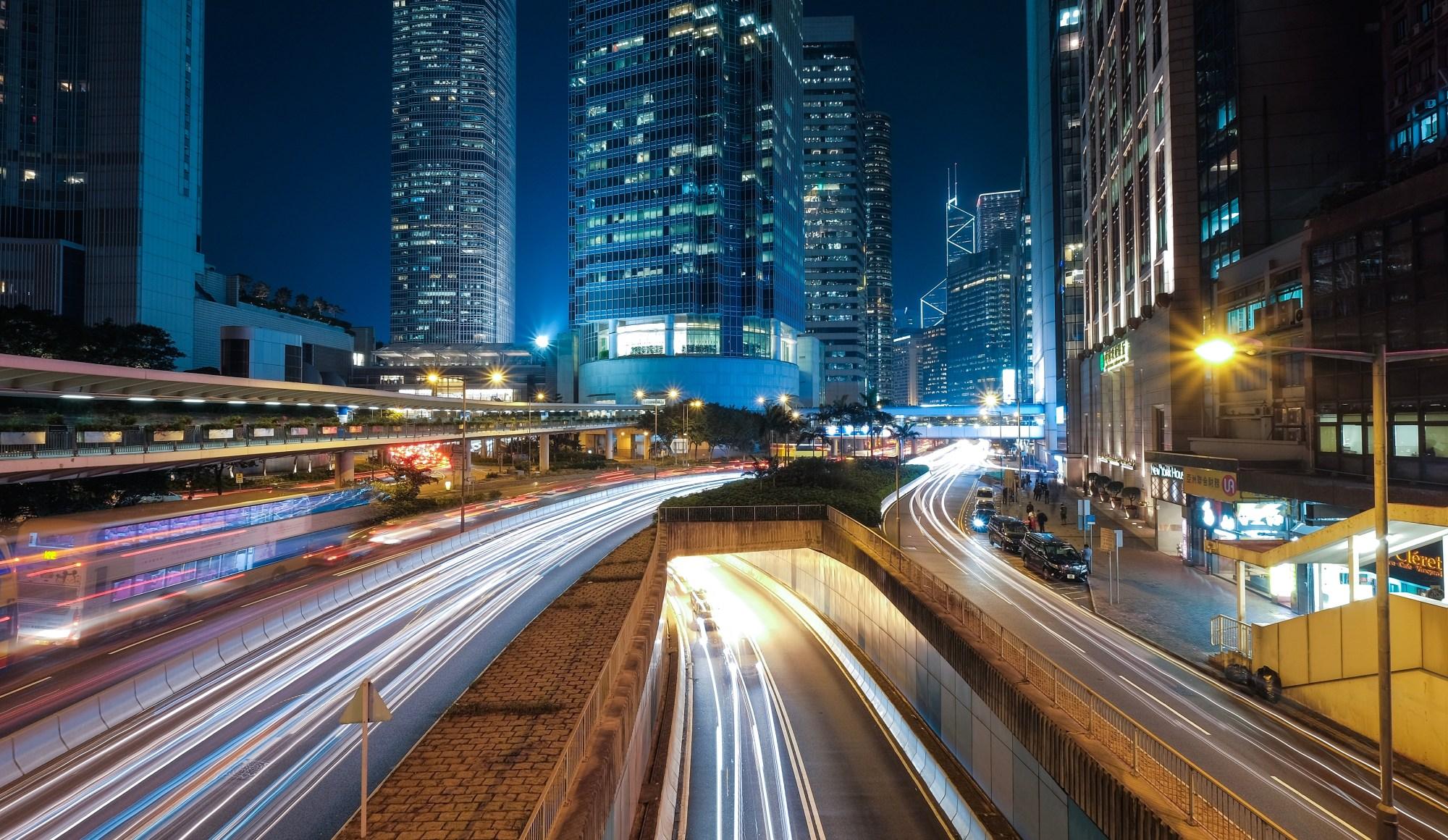 عکاسی از دنباله نور در خیابان